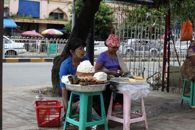 ミャンマーから帰国しました_b0201492_1464685.jpg