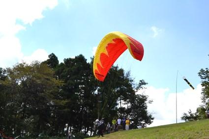 里見・天神山パラグライダー大会・2012_e0228938_21125153.jpg
