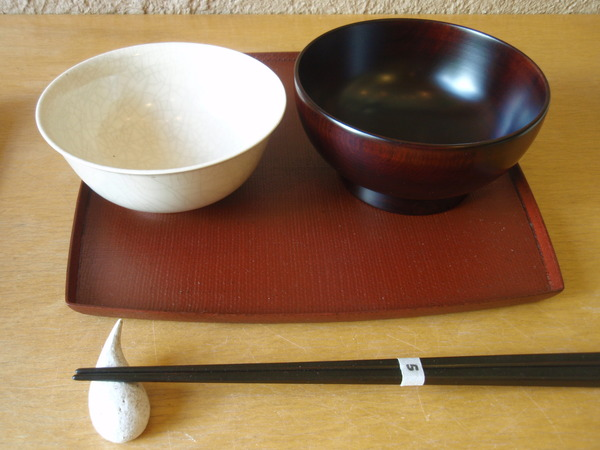 しずく箸置き と 伊藤環さんのくらわんか飯碗_b0132442_18255012.jpg