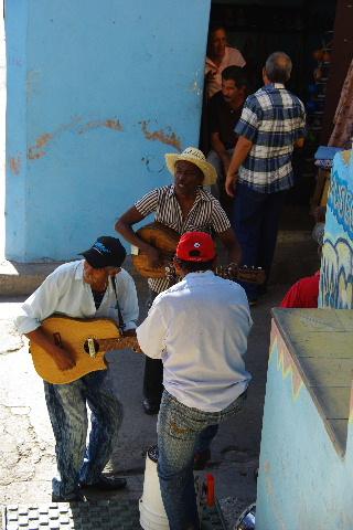 キューバ (64) カーニバル博物館のアフロ・キューバン・ダンス_c0011649_6423437.jpg