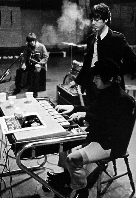 The Beatles & Vox Continental Organ_e0045459_7404271.jpg