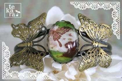 蝶がいっぱいのバングル*_a0139874_21424665.jpg