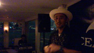 OCEANUS presents 須永辰緒さん@sunaga_t  の名イベント【夜ジャズ】プレミアムクルーズ2012楽しかった☆→_b0032617_1723526.jpg