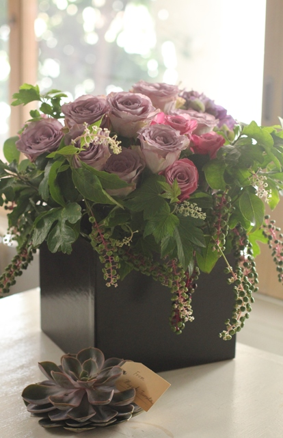 アトリエの仕事 (2012年9月前半の花贈りから)_d0203649_14282485.jpg