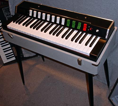 世界のコンボオルガンVol.2 Hohner Symphonic 30_e0045459_18525567.jpg