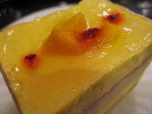 ベローチェ@マンゴーとパッションフルーツのケーキ_b0167979_19453926.jpg