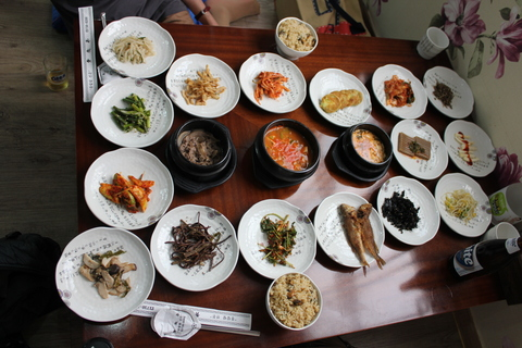 三清洞(サムチョンドン)のムール貝ご飯の韓定食。_a0223786_178323.jpg