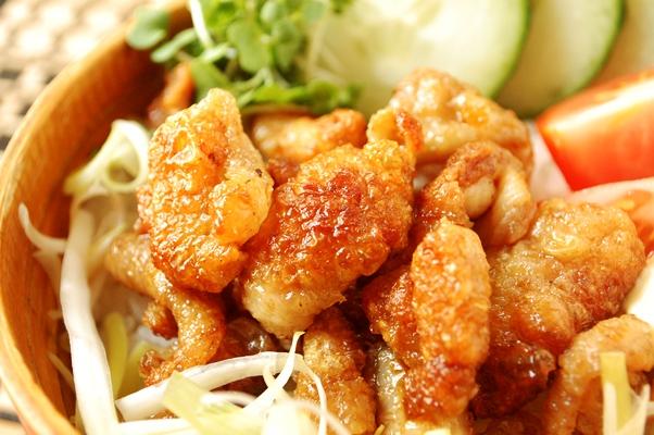 【鶏皮丼】とパブランチ♡_d0104926_4423453.jpg