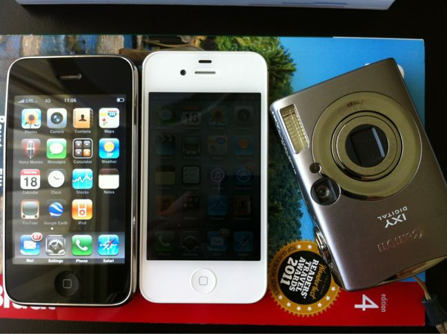my iphones and ixy900is_a0048719_8575094.jpg