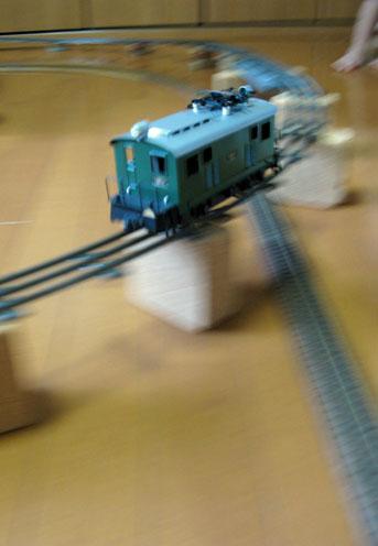 ワークショップ その3 電車を走らせる_f0129726_22495864.jpg