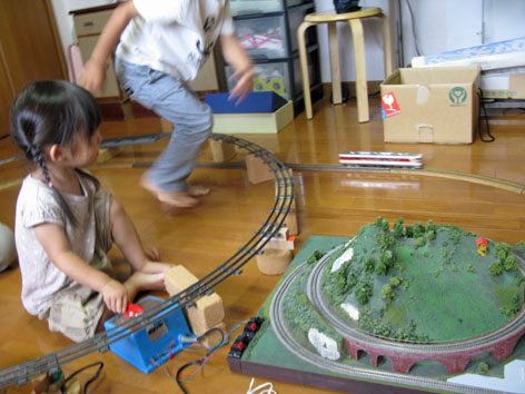 ワークショップ その3 電車を走らせる_f0129726_22522282.jpg