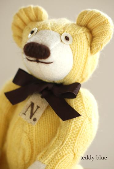 happy yellow teddy  幸せの黄色いテディ_e0253364_2353539.jpg