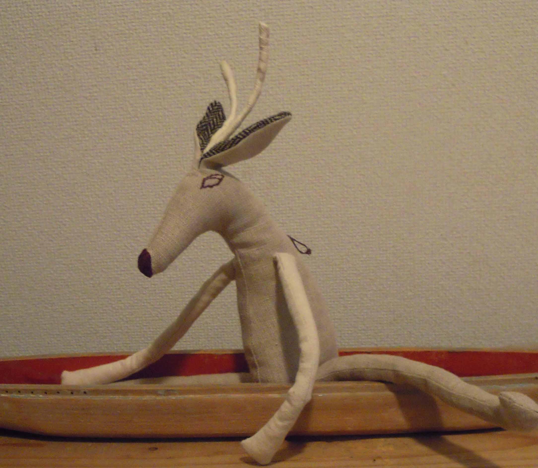 鹿と船。_e0256436_17224876.jpg