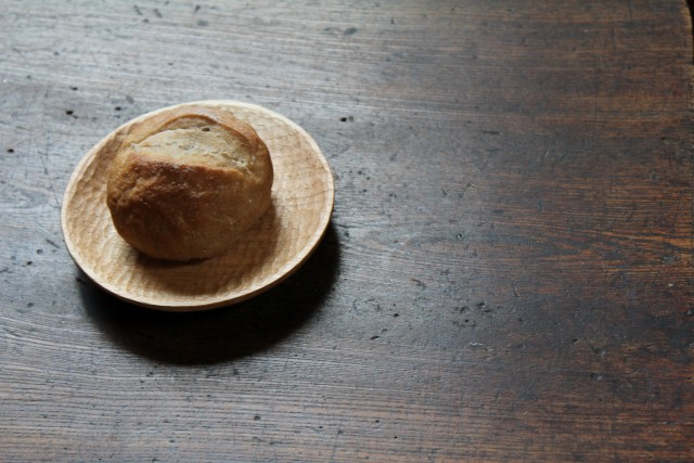 胡桃のパン皿_b0132338_11562178.jpg