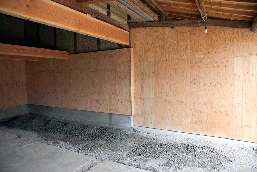 大型納屋の雨漏り対策と補強 〜その3〜_a0163962_1115986.jpg
