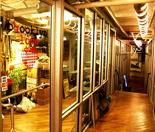 ニューヨーク唯一のペーパー・ドール専門店、Dumbelle_b0007805_5204128.jpg