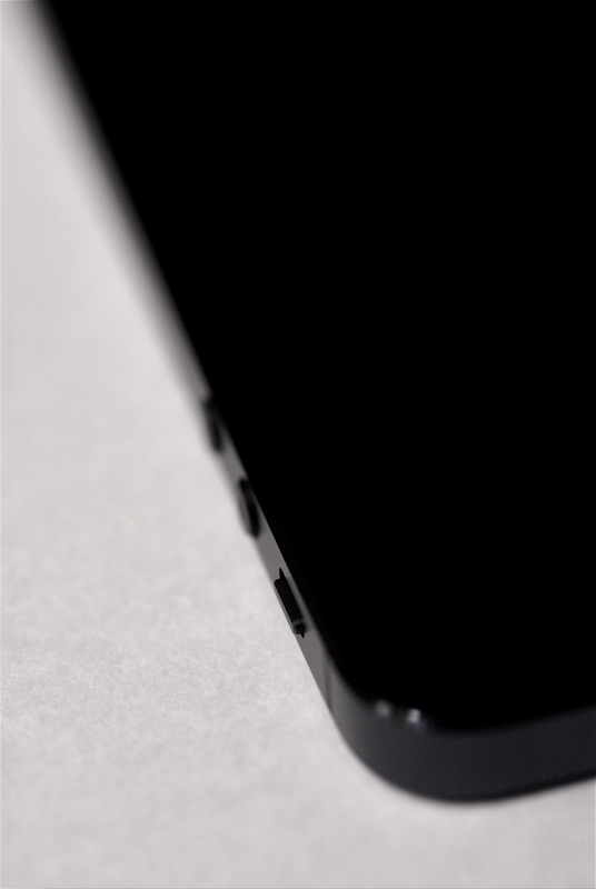 iPhone 5 A6 Cortex a15 ソニー 村田製作所 エルピーダ そして、Apple EarPods with Remote and Mic_b0014152_10292100.jpg