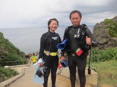 真栄田岬でビーチダイビング!!_a0156273_20228.jpg