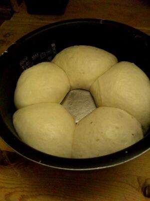 炊飯器でパンを焼きます。_a0072505_11134133.jpg