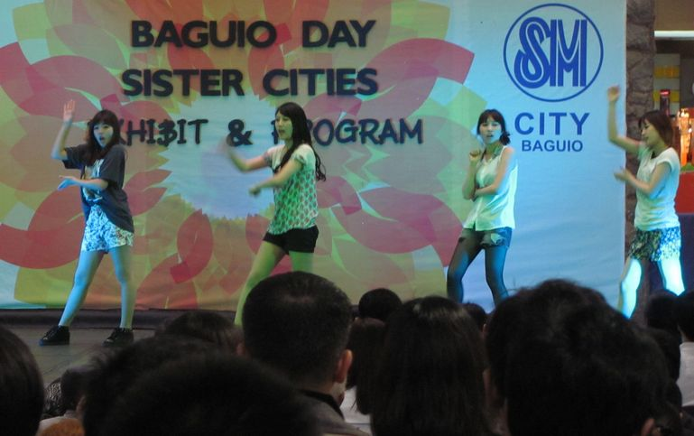 「姉妹都市Exhibit」 ピカチュウ・ドラえもん 頑張る! in Baguio_a0109542_16113366.jpg