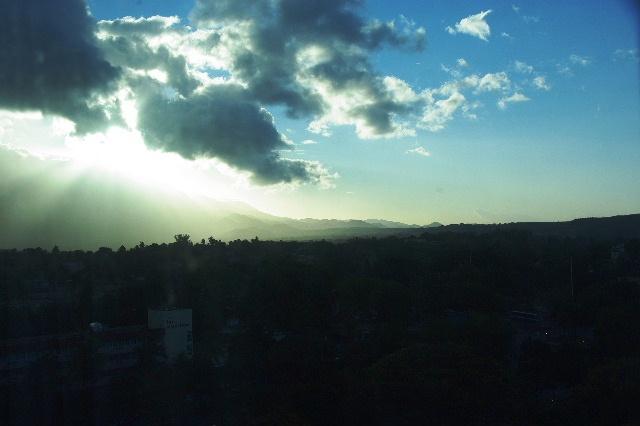 キューバ (67) サンティアゴ・デ・クーバの朝_c0011649_615299.jpg