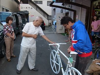 ビアンキ ピスタ カスタマイズド _e0140354_1545836.jpg