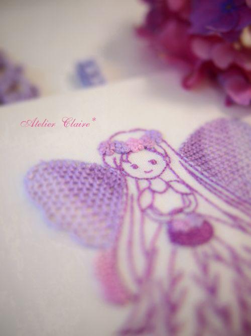 第4弾 あじさい色の刺しゅうとカルトナージュ 妖精さんの壁掛け_a0157409_16275199.jpg