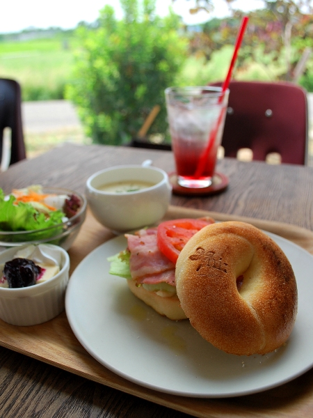 【m i :】 Bagel Cafe & Natural Market _c0177814_18575622.jpg