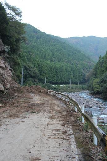 県道12号線_e0101917_748319.jpg