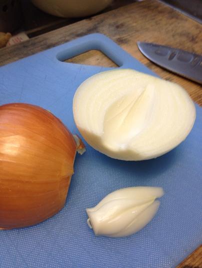 /// 今日のおばんざいは朝野家館主の『カルボナーラ・スパゲティ』の簡単レシピです ///_f0112434_2239113.jpg