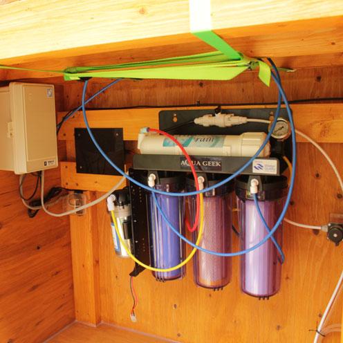 貯水タンク設置。_d0221436_19414274.jpg