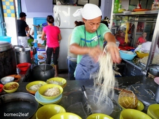Wah Juan レストラン - 一番おいしいコンロメン_a0132757_1363799.jpg