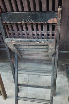 アメリカから折りたたみ椅子(いす)が届きました!_f0226293_6502717.jpg