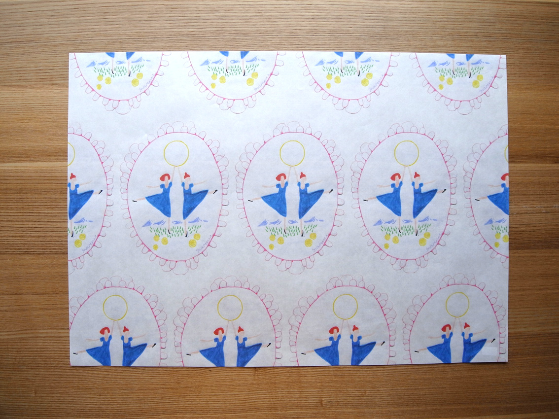 MARUU POSTCARDS AND WRAPPING PAPERS_e0216816_13112350.jpg