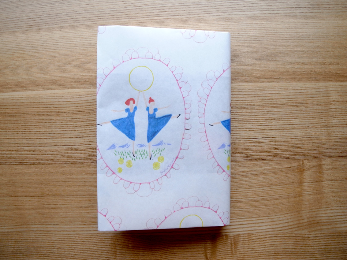 MARUU POSTCARDS AND WRAPPING PAPERS_e0216816_13132637.jpg