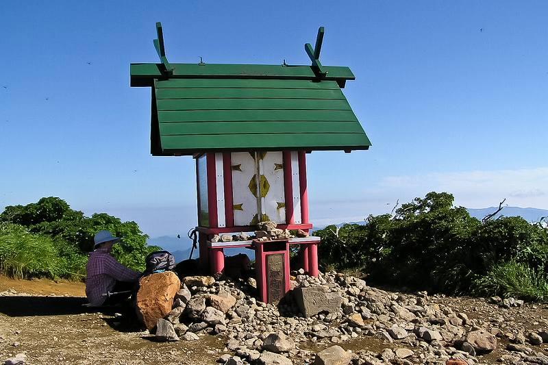 栗駒山山頂のパノラマ_f0044056_6421627.jpg