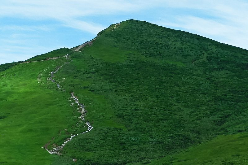 栗駒山山頂のパノラマ_f0044056_6485399.jpg