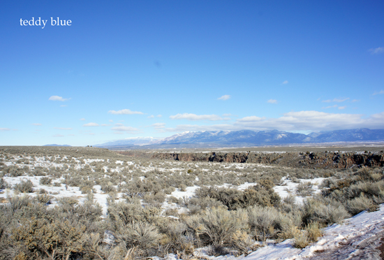 Taos Pueblo, New Mexico  タオス プエブロ 世界遺産_e0253364_13424284.jpg