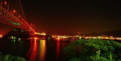 午前零時の関門海峡大橋....まずは一発目の撮影を...さあ〜まだまだ走ります..._b0194185_2314173.jpg
