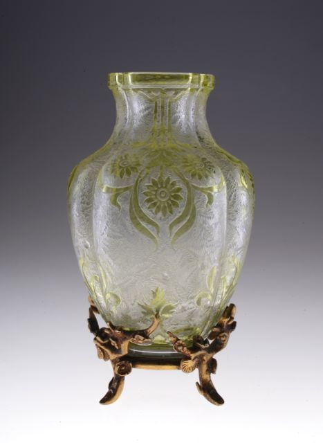 Baccarat Yellow  Acid Etched Vase_c0108595_182348.jpg