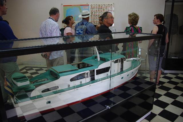 キューバ (69) モンカダ兵営博物館 その1 博物館編_c0011649_14302511.jpg