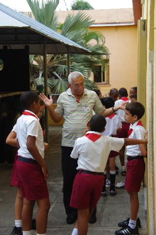 キューバ (70) モンカダ兵営博物館 その2 小学校編_c0011649_23492563.jpg