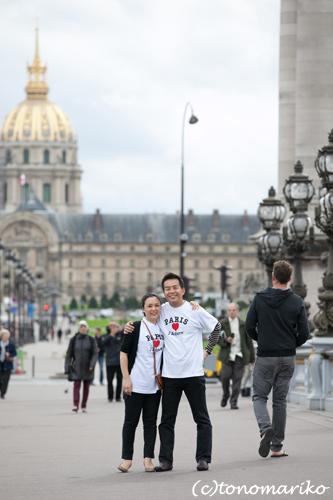 パリ最後の日。家族の記念写真を撮って空港へ!_c0024345_5183082.jpg