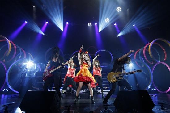 デビュー10周年を迎えた中川翔子、思い出の渋谷公会堂で「ただいま」_e0197970_0175292.jpg