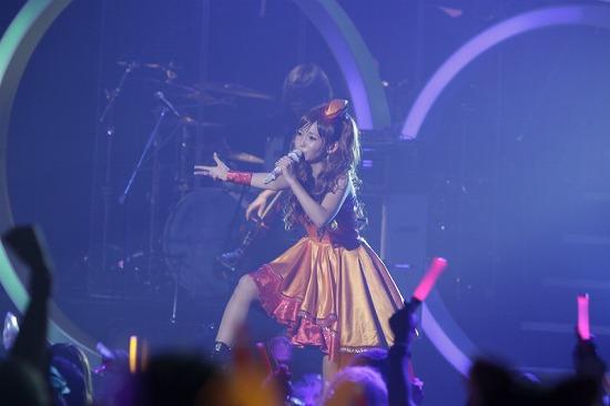 デビュー10周年を迎えた中川翔子、思い出の渋谷公会堂で「ただいま」_e0197970_018101.jpg