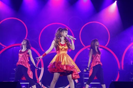 デビュー10周年を迎えた中川翔子、思い出の渋谷公会堂で「ただいま」_e0197970_0182040.jpg