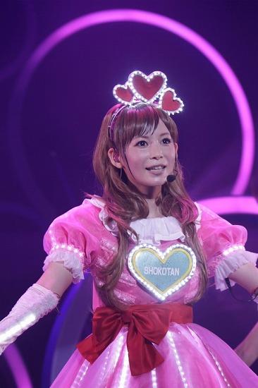 デビュー10周年を迎えた中川翔子、思い出の渋谷公会堂で「ただいま」_e0197970_0182894.jpg