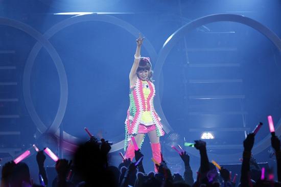 デビュー10周年を迎えた中川翔子、思い出の渋谷公会堂で「ただいま」_e0197970_0191425.jpg