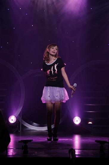 デビュー10周年を迎えた中川翔子、思い出の渋谷公会堂で「ただいま」_e0197970_0194766.jpg