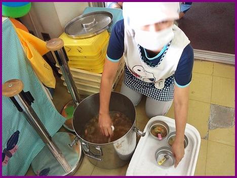 コロッケパンと野菜スープ_a0168274_13422675.jpg